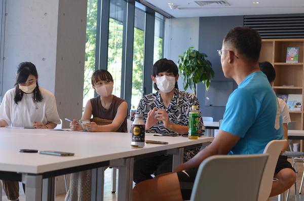 大学連携のご紹介:地方都市の自営業セクターを研究するゼミチームがやってきた。